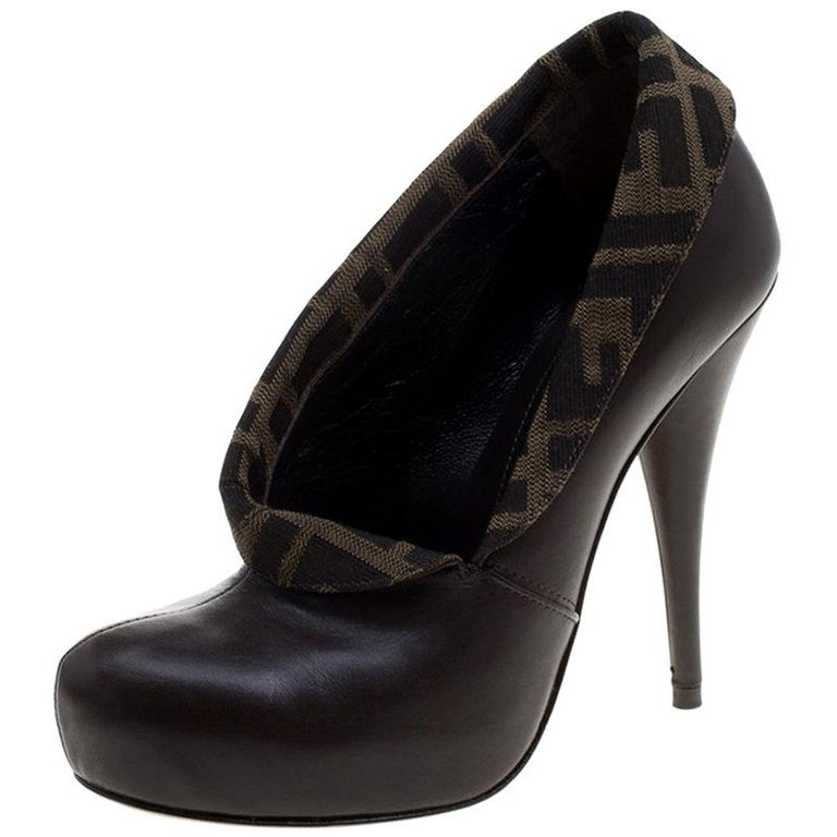 297890678574 Fendi Brown Tobacco Zucca Canvas and Leather Platform Pumps Size 36 For Sale