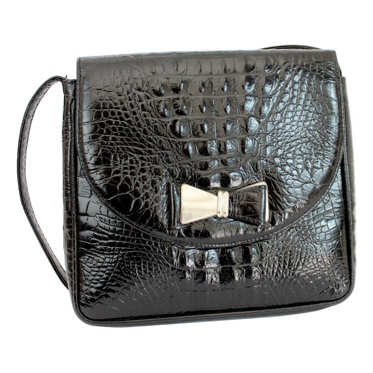 fab7e94b89 1990s Gianni Versace Couture Black Leather Crocodile Print Vintage Shoulder  Bag For Sale at 1stdibs