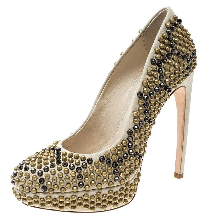 79dbc2b94f9c Alexander McQueen Beige Hexagon Stud Embellished Leather Platform Pumps  Size 37 For Sale