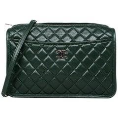 Chanel 2018 Green Calfskin Leather Quilted Zip Top Messenger/Crossbody Bag
