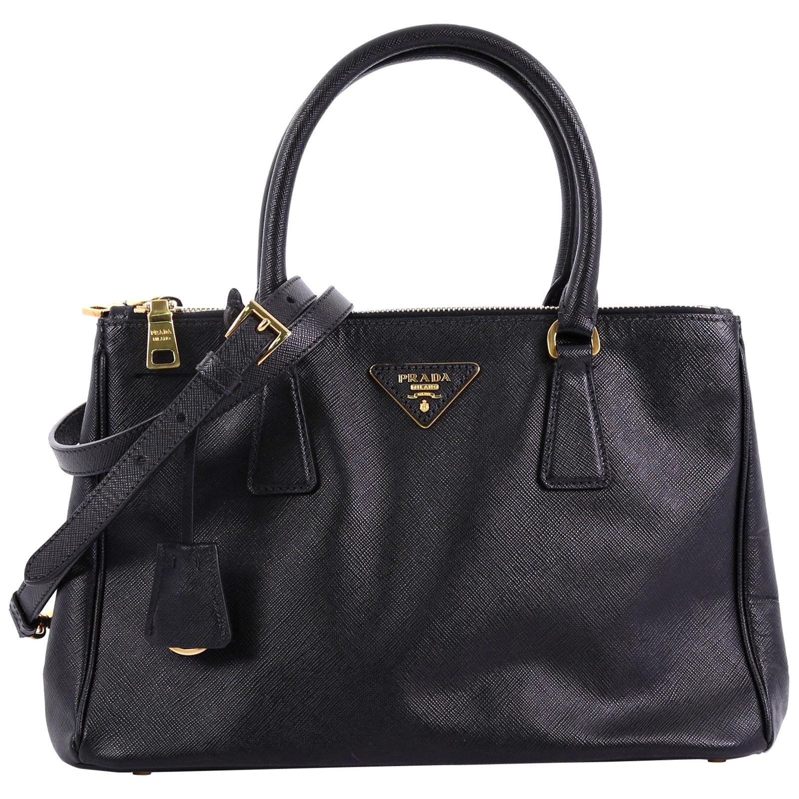 73a910e3976 Vintage Prada Handbags and Purses - 1,006 For Sale at 1stdibs