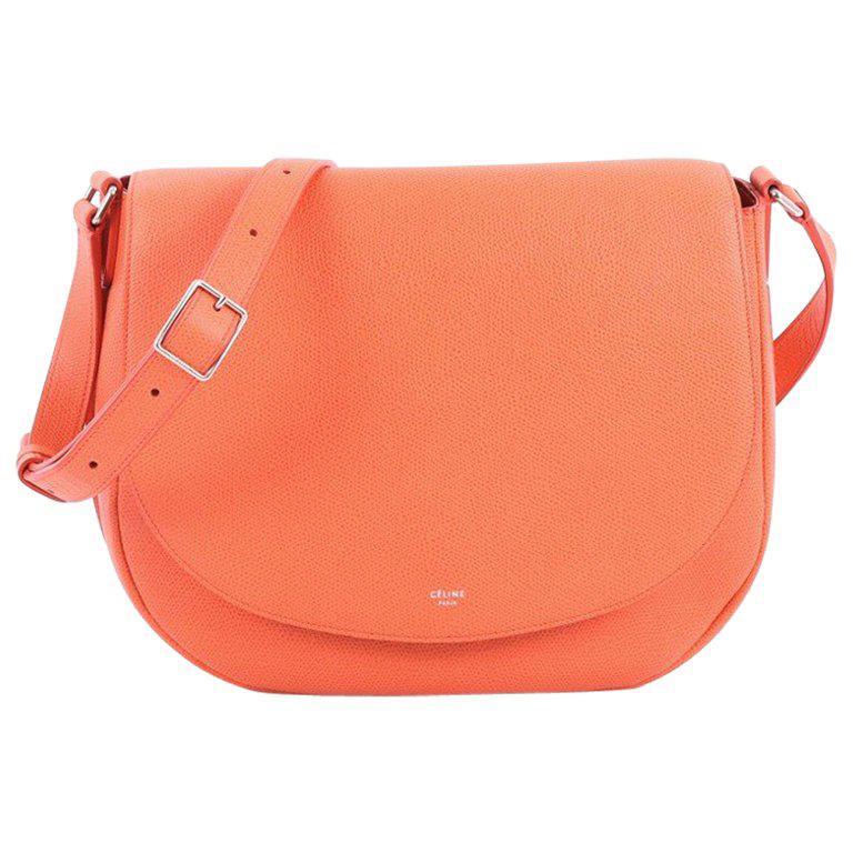 d3503f9848 Celine Trotteur Messenger Bag Grainy Leather Medium For Sale at 1stdibs
