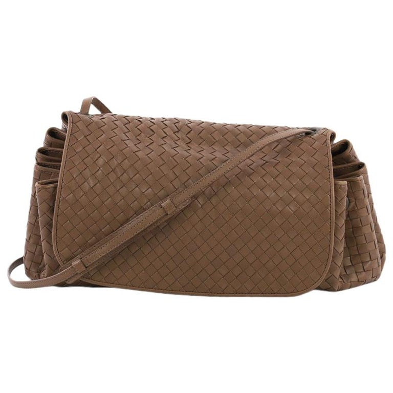 Bottega Veneta Flap Messenger Bag Intrecciato Nappa Large For Sale ... f3afa2d7ea1ca