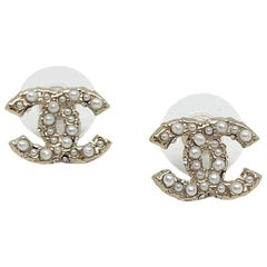 CHANEL CC Stud Earrings in Pale Gold Metal, Rhinestones and Pearls