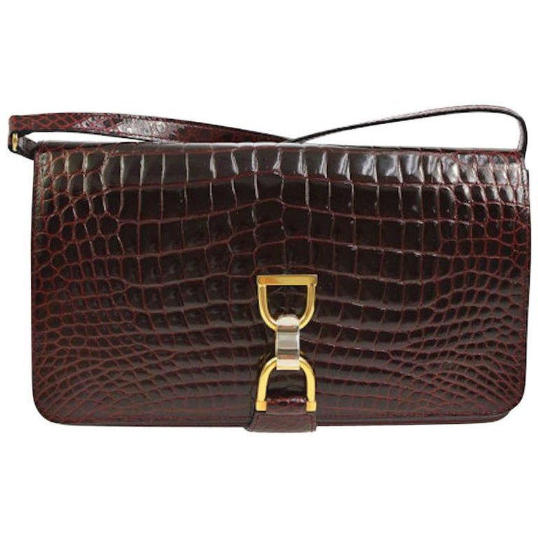 fa26e3dfad1 Gucci Burgundy Crocodile Leather Toggle 2 in 1 Clutch Evening Shoulder Flap  Bag For Sale