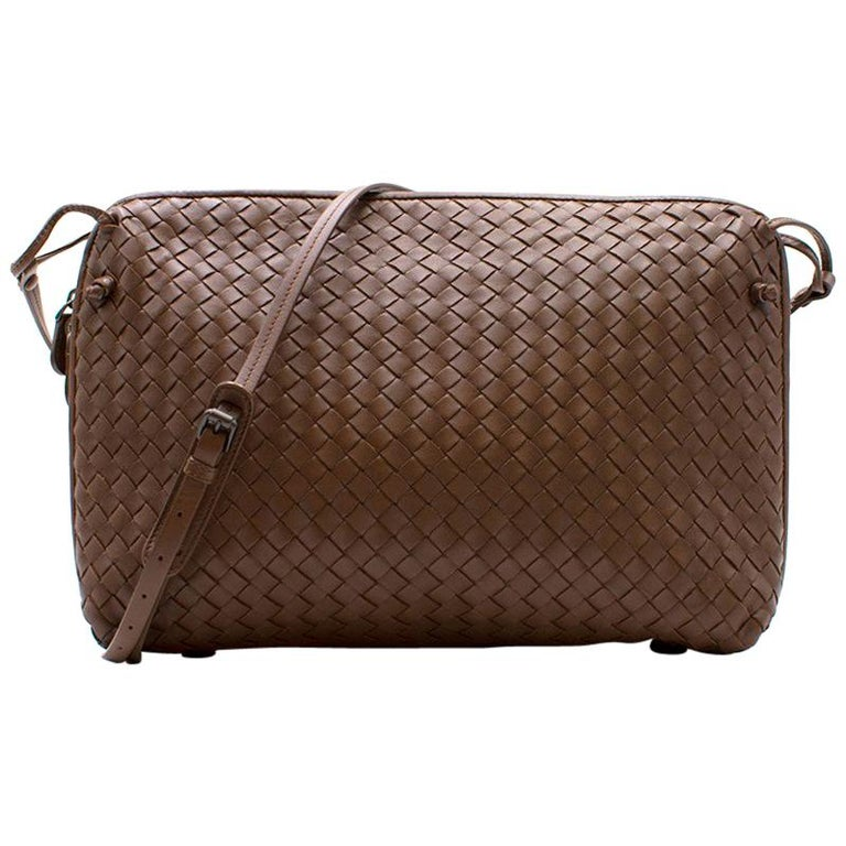 68dbb97e94 Bottega Veneta Brown Intrecciato Nappa Nodini Bag For Sale at 1stdibs