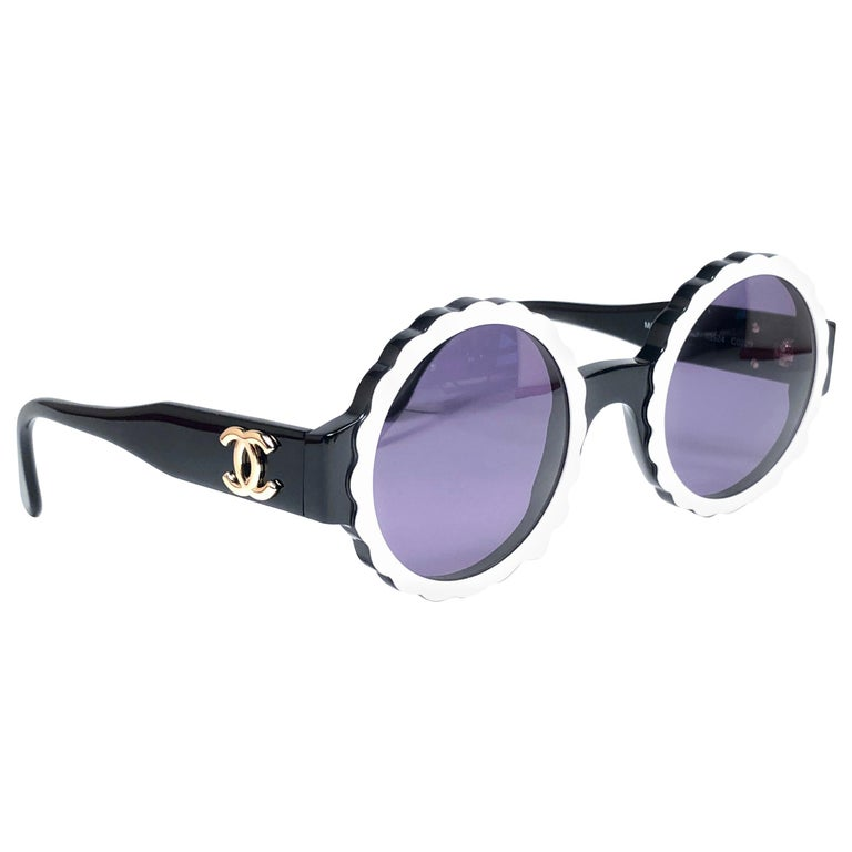 238e7bbd1b1 New Vintage Chanel Spring Summer 1993 Camelia Sunglasses Made In Italy For  Sale at 1stdibs