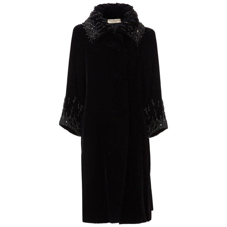Christian Dior, Evening coat in black silk velvet, circa 1956 For Sale
