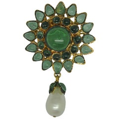 Vintage Chanel Green Poured Glass Gripoix Pearl drop Brooch