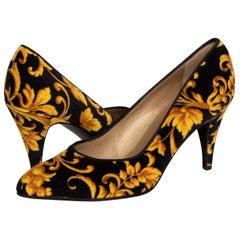 Gianni Versace Rococo Baroque Pumps Heels, 1990s Size: 39.5