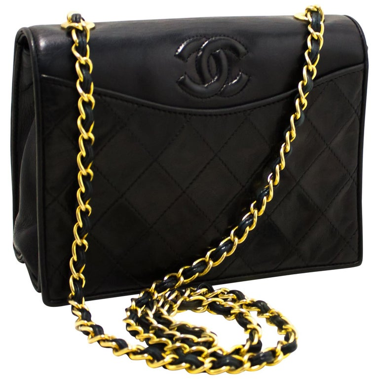 5e56a72532 CHANEL Navy Classic Chain Shoulder Bag Flap Quilted Lambskin at 1stdibs
