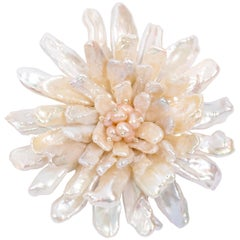 Fabulous Real Freshwater White Pearl Anemone Pin