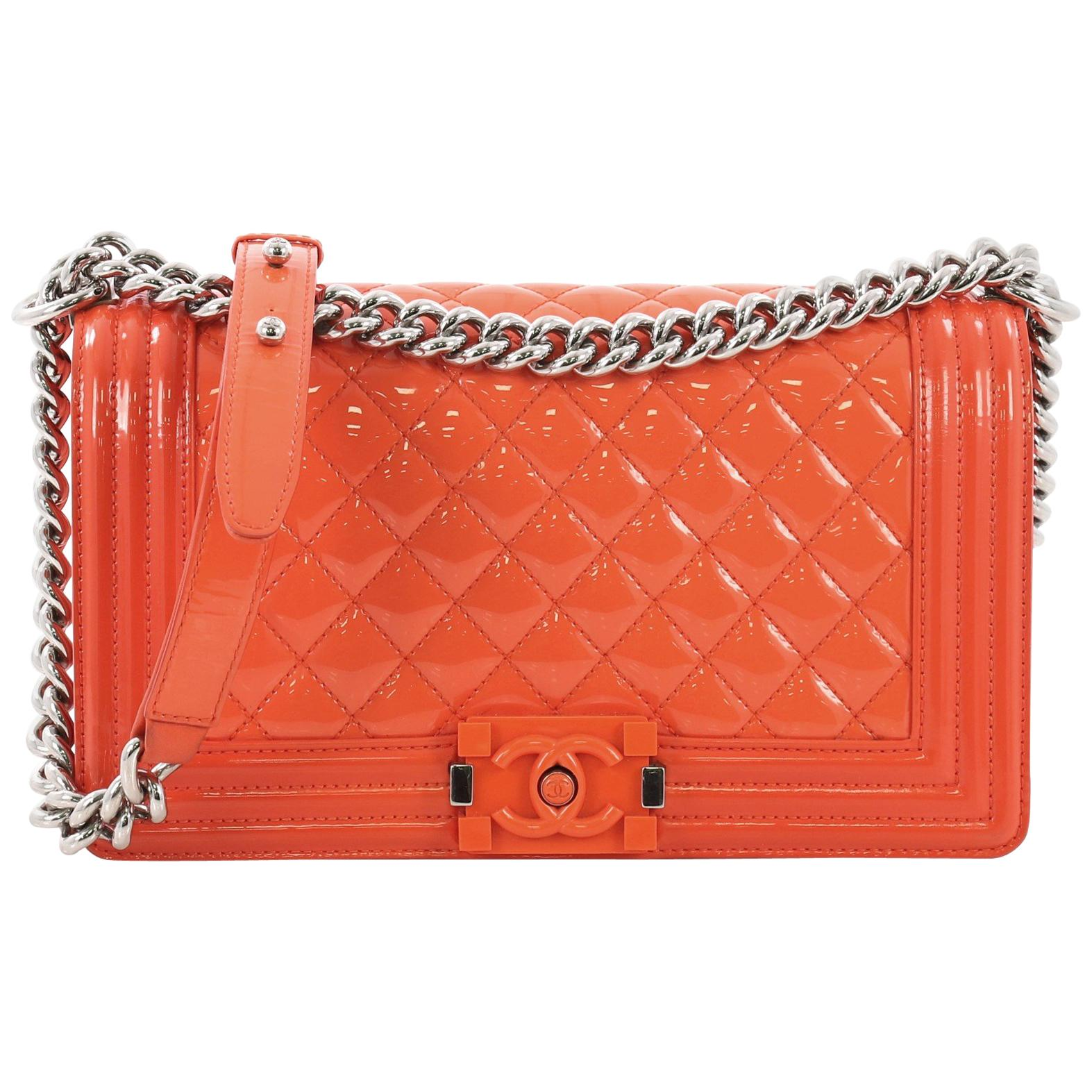 358fb76971fa Chanel Boy Flap Bag Chevron Calfskin Old Medium For Sale at 1stdibs