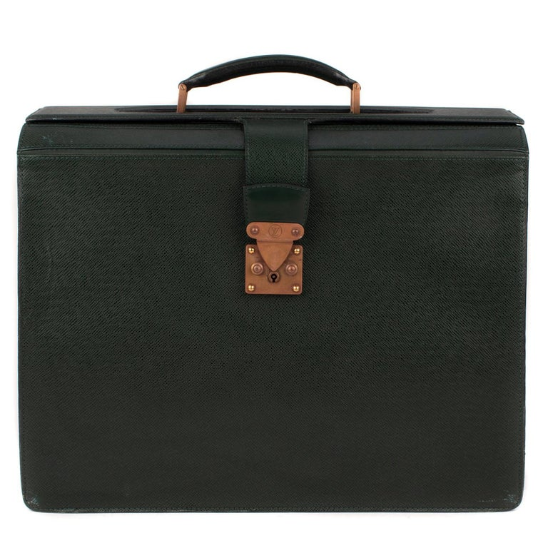 3471e8fa5681 Louis Vuitton Ural Pilot Case Green Taiga Leather Cartable For Sale ...