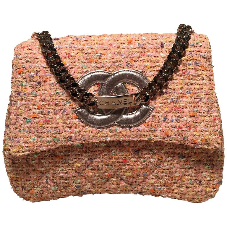 5e654ddf77c Chanel Vintage Pink Peach Woven Boucle Tweed Classic Flap Handbag For Sale