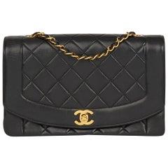 1991 gesteppte Chanel schwarz Lammfell Vintage mittlere Diana klassische einzelne Lasche Tasche