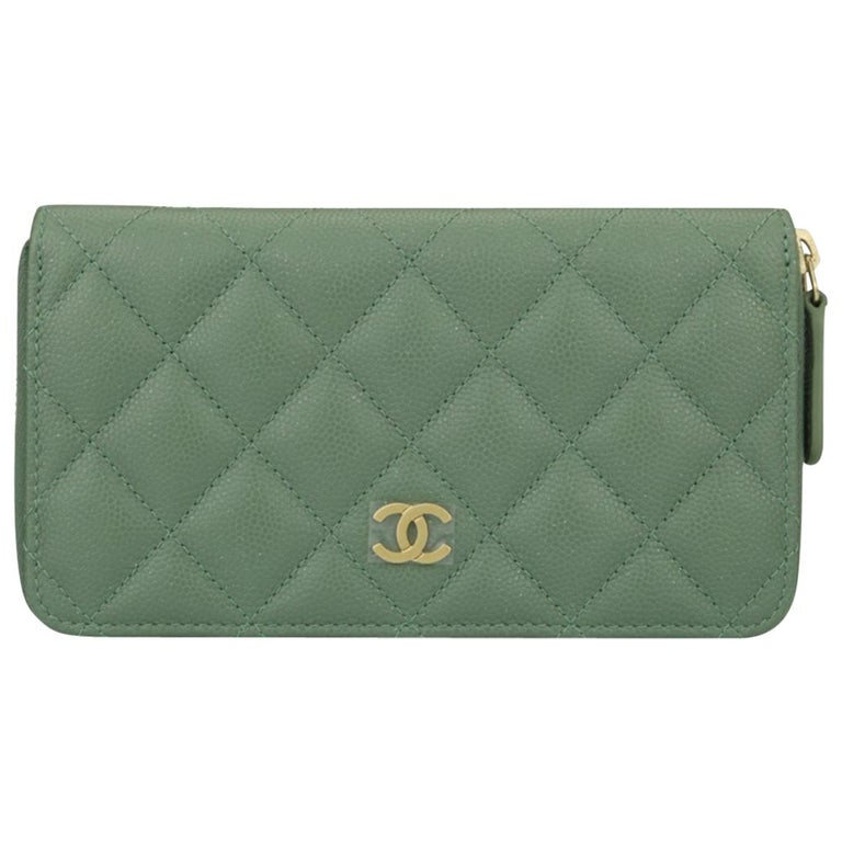 f734485d42d9 CHANEL Classic Zipped Wallet Medium Green Caviar Iridescent with Brushed  Gold HW For Sale