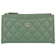 CHANEL Pouch Green Caviar Iridescent with Brushed Gold Hardware 2018