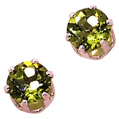 Sparkling Round Peridot Stud earrings in Sterling Silver