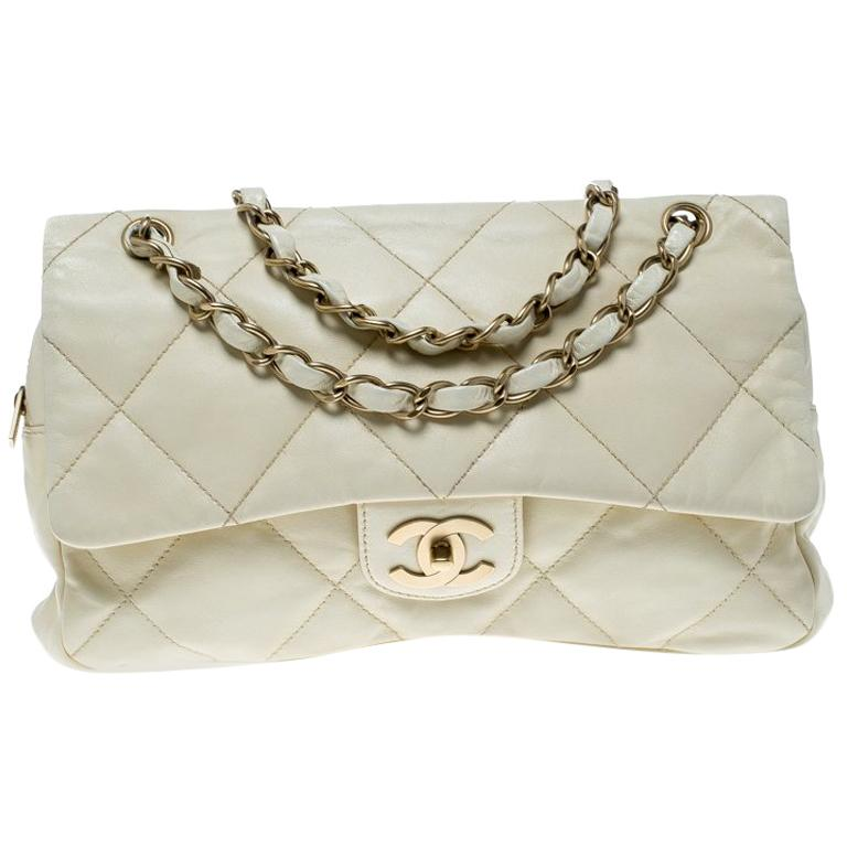 11ea942fdba6bd Chanel Cream Quilted Leather Flap Bag For Sale at 1stdibs