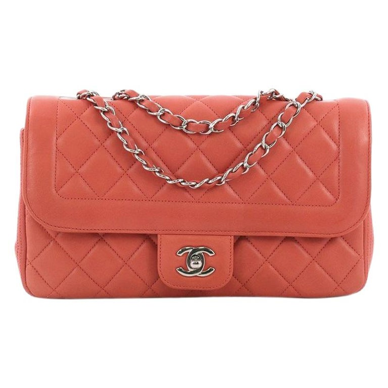 8a5e28328ef8 Chanel CC Chain Flap Bag Quilted Lambskin Medium For Sale at 1stdibs