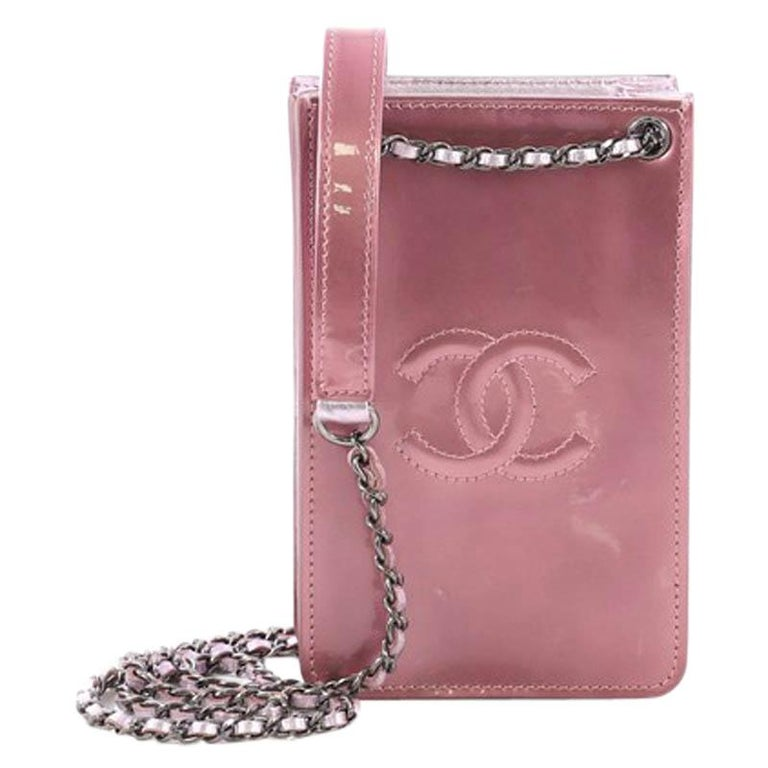 4ed72d05ef0b Chanel CC Phone Holder Crossbody Bag Patent For Sale at 1stdibs