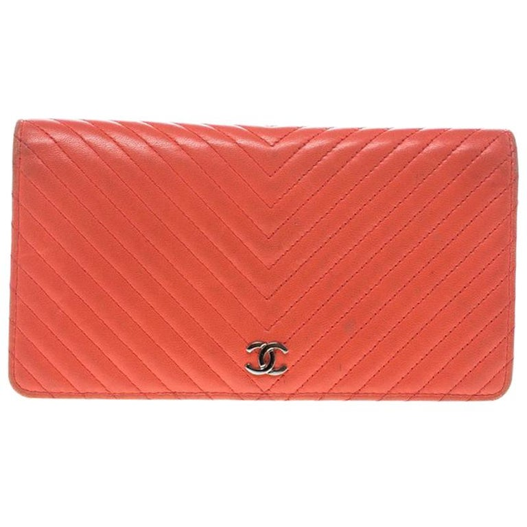 71f101abbf4b Chanel Orange Chevron Leather CC Long Wallet For Sale at 1stdibs