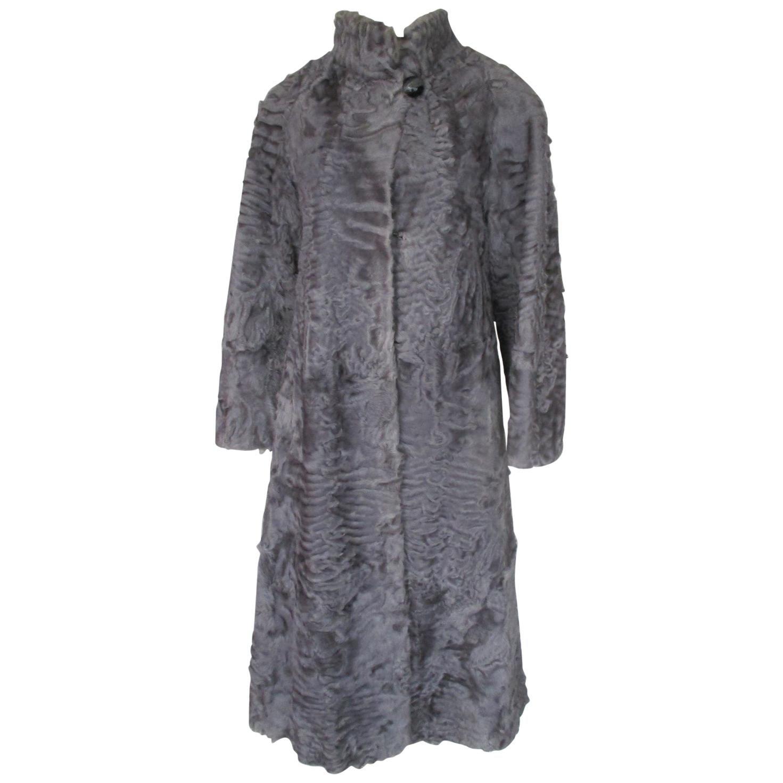 0eeb6aa6b1a Vintage Fur Coats - 914 For Sale on 1stdibs