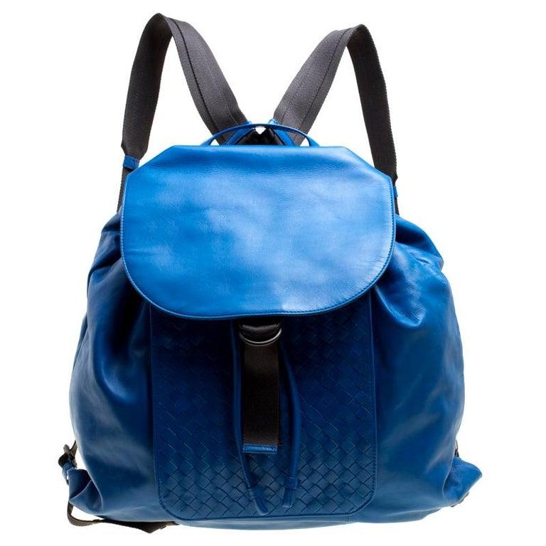 8ce173a142 Bottega Veneta Blue Intrecciato Leather Drawstring Backpack For Sale at  1stdibs
