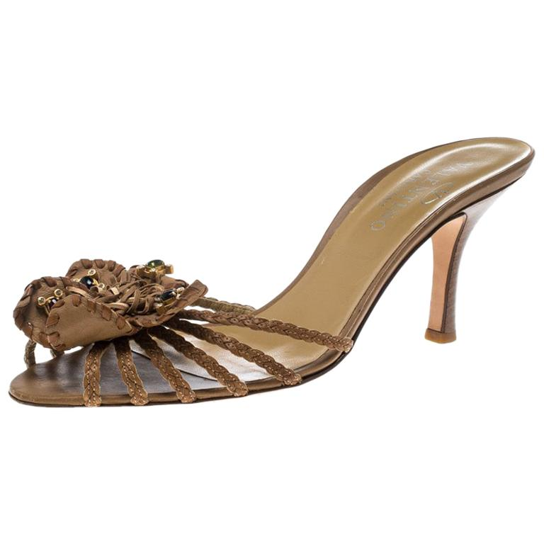 998a3a1db2e7 Valentino Brown Leather Flower Slides Sandals Size 40.5 For Sale at 1stdibs