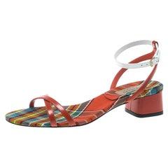 Burberry Zweifarbige Leder Anthea Kreuz Open Toe Sandalen Größe 3