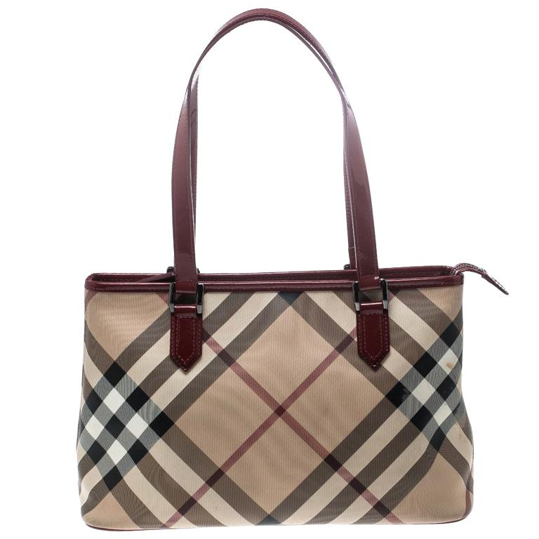 2acbaad54fbd Burberry Beige Red Supernova PVC and Patent Leather Small Nickie Tote For  Sale at 1stdibs