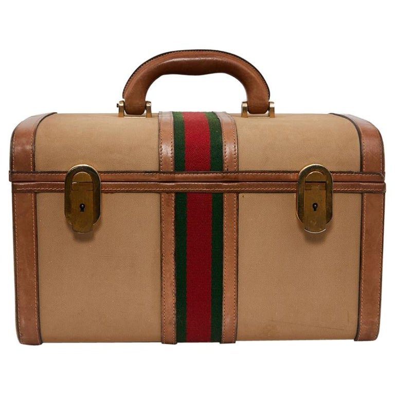 dce127826b6 GUCCI Vintage Vanity Case in Beige and Brown Canvas and Leather For Sale