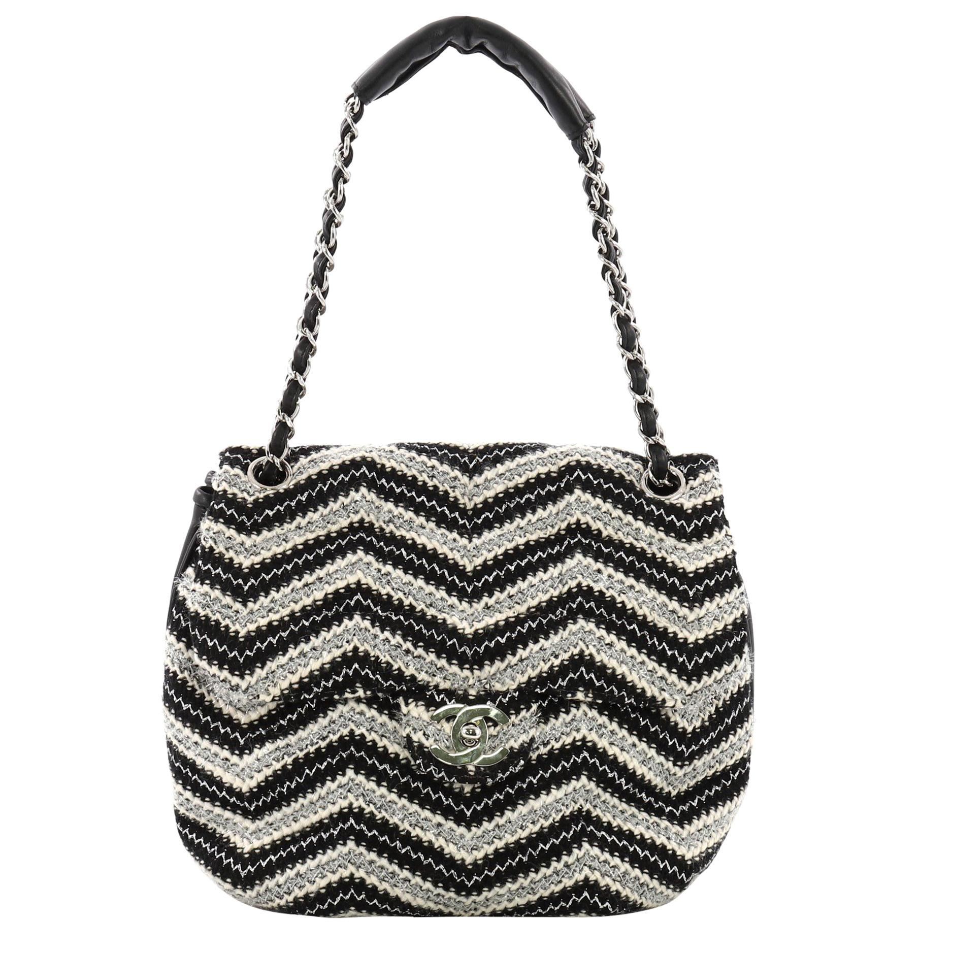77749a2aaa2d Chanel Vintage Round Flap Bag Chevron Tweed Medium For Sale at 1stdibs