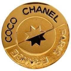 Chanel Gold Vintage Coco Chanel Coin Star Pin