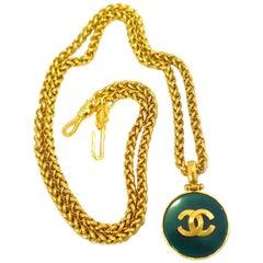 Vintage Signed Chanel 95A Green CC Logo Pendant Necklace