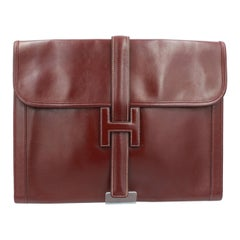 Vintage Hermes Jige GM  Clutch in Burgundy box Leather.