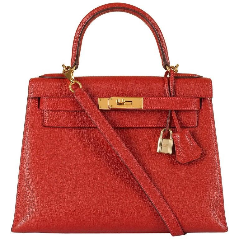 Hermes Kelly 28cm in rare Chevre Mysore - Rouge 'H' Leather with Gold Hardware For Sale