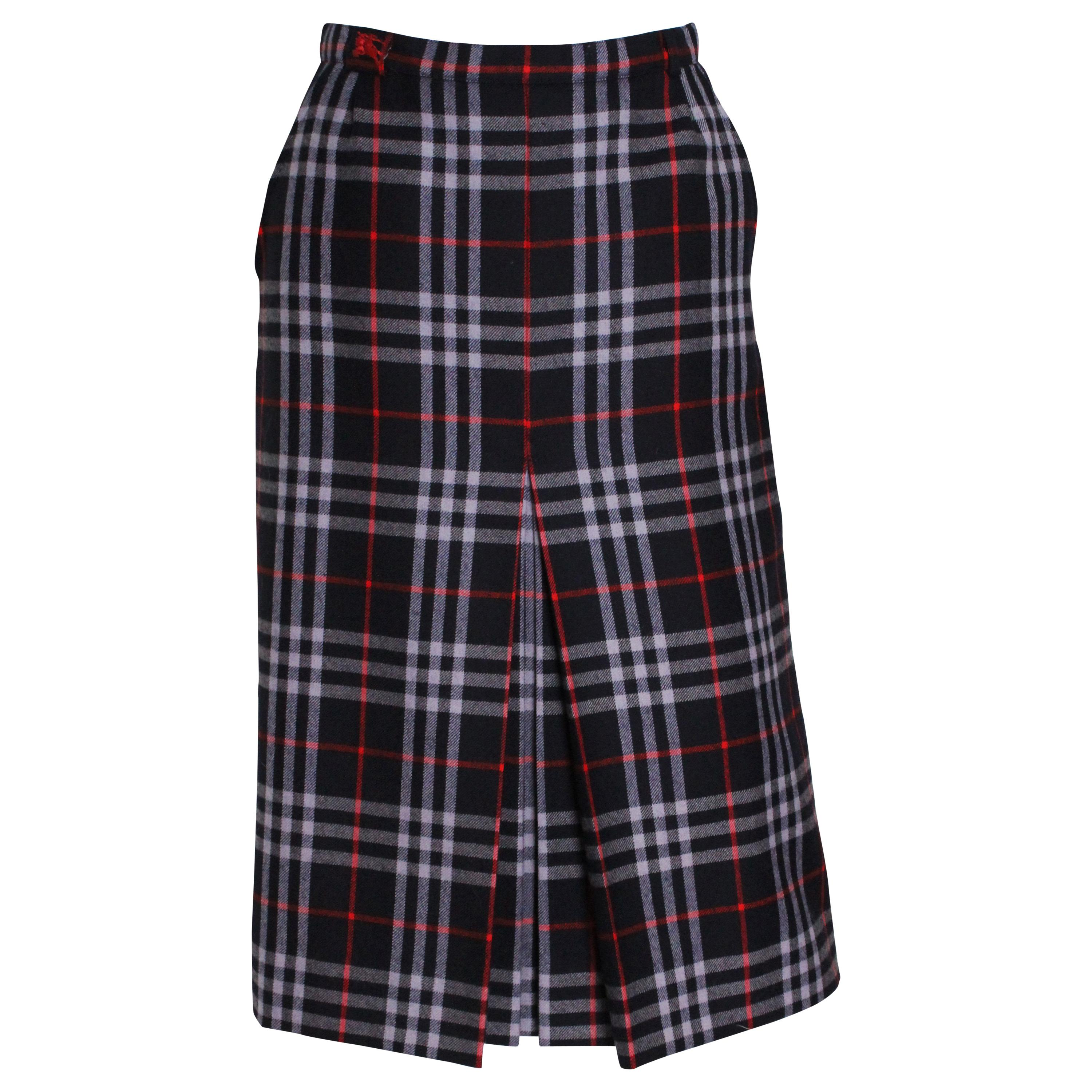4a31afd141 Vintage Burberry Skirts - 11 For Sale at 1stdibs