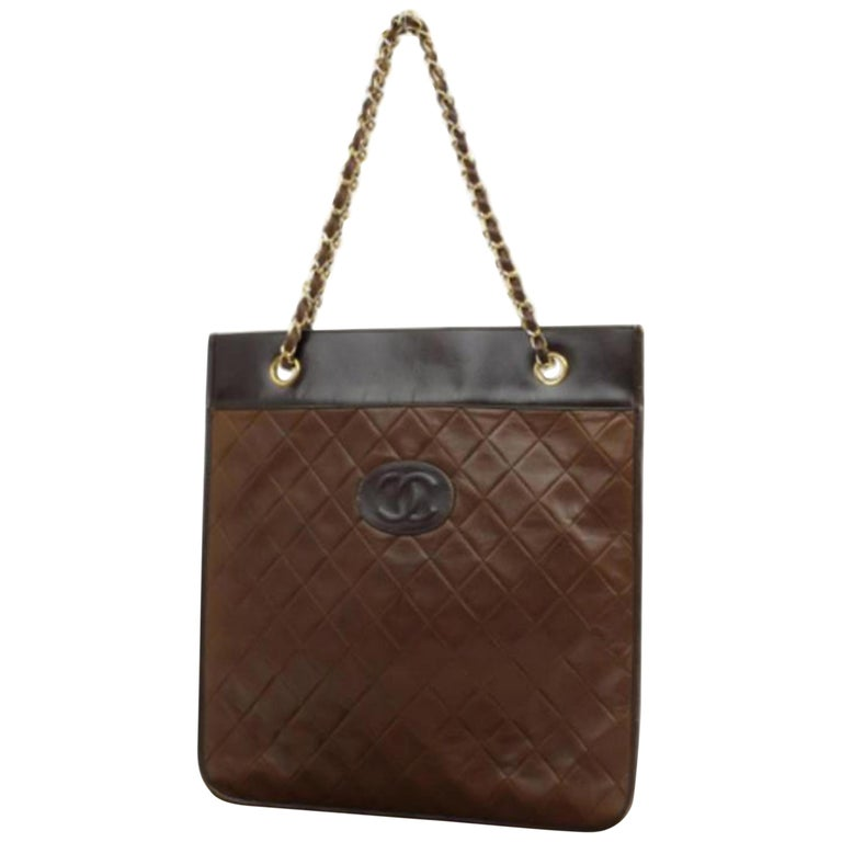 5fe29e34b8fa35 Chanel Quilted Chain 228257 Brown Leather Tote For Sale at 1stdibs