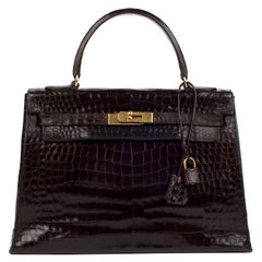 Hermès Kelly 32 sellier vintage bag in brown crocodile, gold hardware !