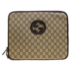 11404feab Gucci Beige GG Supreme Canvas Interlocking GG Netbook Case