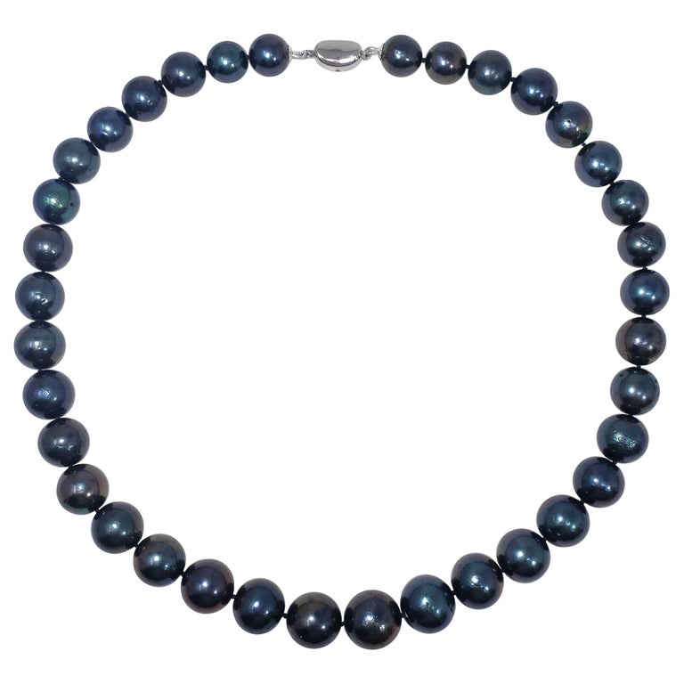 Blue-Green Tahitian Pearl Beaded Necklace with Sterling Silver Clasp, 52 cm Long For Sale