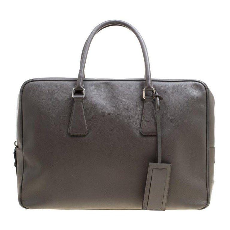 35f5f5c582ed Prada Grey Saffiano Leather Briefcase For Sale at 1stdibs
