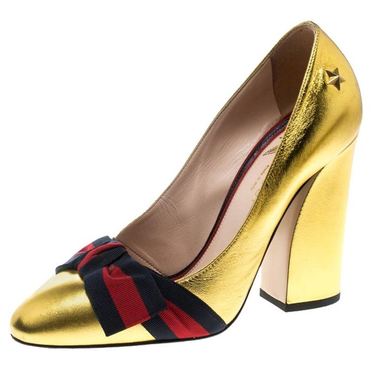 fa07536c4f1 Gucci Metallic Gold Leather Web Bow Detail Pumps Size 37.5 For Sale ...