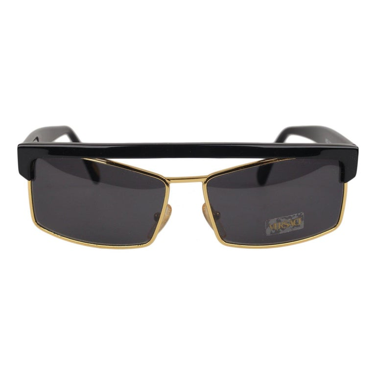 b29312fdc651 Gianni Versace Vintage Black Butterfly Sunglasses 403G New Old Stock For  Sale