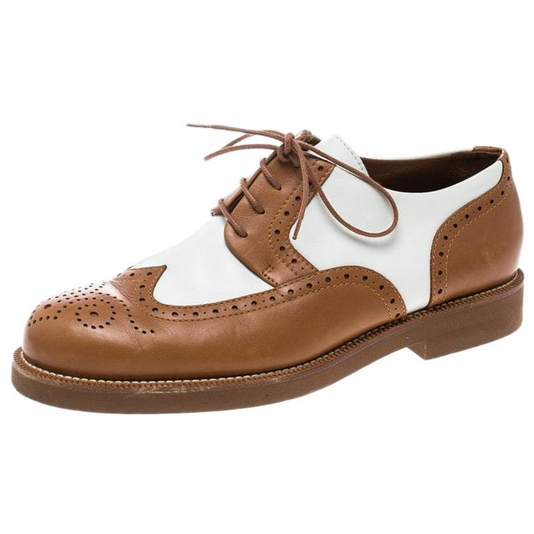 Loro Piana Two Tone Leather Round Toe Wingtip Brogue Oxfords Size 37.5 For Sale