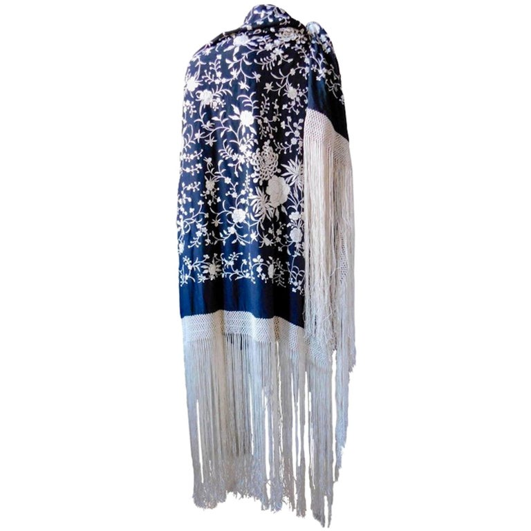 Black and White Cantonese Silk Embroidered Shawl with Long Fringe circa 1920 For Sale