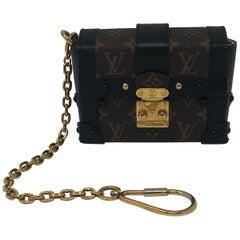 d754446f48c3 Louis Vuitton Monogram Essential Trunk Black