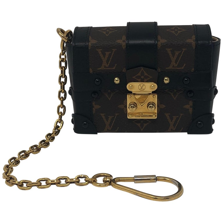 7a794e9925 Louis Vuitton Monogram Essential Trunk Black For Sale at 1stdibs